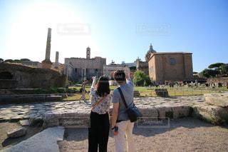 建物,夏,屋外,後ろ姿,ローマ,人物,背中,人,後姿,旅行,夫婦,イタリア,通り,ハネムーン