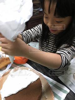 子ども,ケーキ,キッチン,クリーム,料理