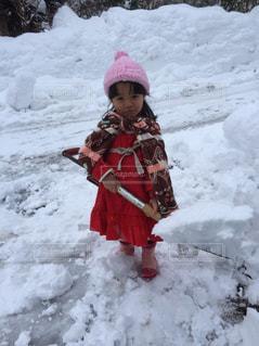 子ども,雪,屋外,スコップ,除雪