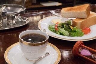 食べ物,朝食,屋内,テーブル,皿,食器,カップ,レストラン,紅茶,ファストフード,コーヒー カップ