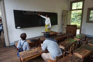 文字,椅子,机,黒板,小学生,昭和,小学校,明治,大正,体験,授業,黒板消し,ボード,タイムスリップ