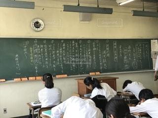 文字,テスト,学校,黒板,チョーク,高校生,勉強,高校,国語,試験,古典,授業,学び,ボード,アオハル,現代文