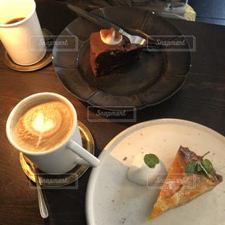 カフェ,木,北海道,オシャレ,カプチーノ,美味しい,ミルクティー,うまい,チョコケーキ,点灯,おしゃれ,オススメ,おすすめ,ミルクティー色