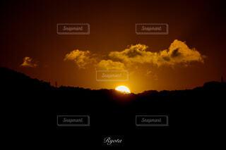 自然,風景,空,カメラ,太陽,朝日,山,正月,お正月,日の出,広島,一眼レフ,新年,canon,初日の出,CanonEOSKissX9i