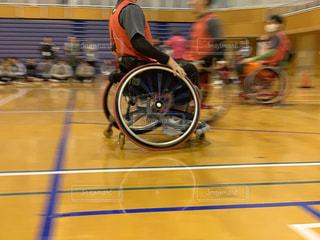 スポーツ,体育館,運動,インドア,アリーナ,車椅子,スピード,車いす,室内スポーツ,インドアスポーツ,車いすバスケ,共生社会