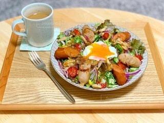 食べ物,コーヒー,食事,朝食,テーブル,野菜,皿,食器,サラダ,料理,木目,ブランチ,大皿