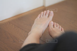 素足でのんびりの写真・画像素材[2067821]