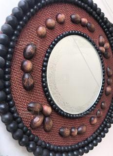 インテリア,木,茶色,鏡,レトロ,昭和,ミラー,ブラウン,ビンテージ,ウッド,壁掛け,数珠,こげ茶,木製珠細工,当時物,当時もの