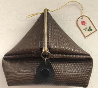 茶色,ブラウン,さんかく,財布,お財布,ダークブラウン,こげ茶,三角形,コインケース,小銭入れ,焦げ茶,折りたたみ財布,ミニ財布,折り畳み財布,おりたたみ財布