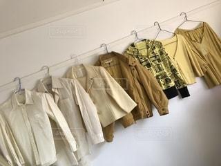 ファッション,レディース,黄色,洋服,ワイシャツ,服,シャツ,イエロー,ベージュ,ブラウス,ジャケット,上着,パーカー,カーディガン,衣類,長袖,ジャンパー,アウター,黄土色,カッターシャツ,ジャンバー,羽織,同系色,七分袖,ミルクティー色,フーディ
