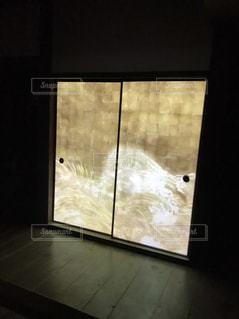 光る障子の写真・画像素材[2013975]