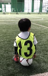 後ろ姿,サッカー,幼児,男の子