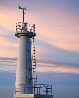 夕景と灯台の写真・画像素材[3401986]