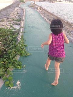 夏,後ろ姿,裸足,沖縄,女の子,背中