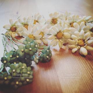 手作業から生まれる花たちの写真・画像素材[1897215]