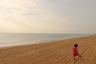 海,ピンク,晴れ,砂浜,散歩,足跡,女の子,早朝,お散歩,甚平