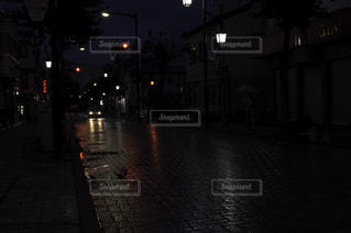 夜,雨,道路,街,ヘッドライト,道,信号機,雨の日