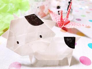 干支の丑と鶴の折り紙の写真・画像素材[4024519]