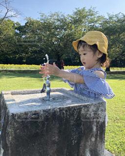 公園,水,水滴,女の子,蛇口,水玉,水遊び