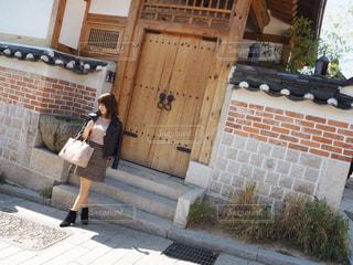 韓国旅行のコーデの写真・画像素材[2072016]