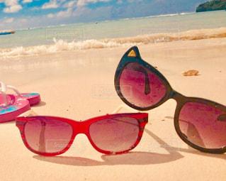 自然,風景,海,空,屋外,赤,サングラス,砂浜,黒,茶色,海岸,景色,ベージュ,茶,クリーム色,ミルクティー色