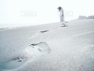 砂浜散歩の写真・画像素材[2142192]
