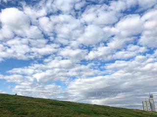 もこもこ雲の写真・画像素材[2279326]