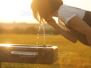 夏の夕暮れの写真・画像素材[2281472]