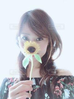 可愛い向日葵にほっこりの写真・画像素材[2326171]