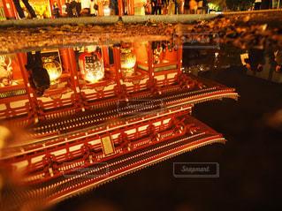 水面に映る仁王門の写真・画像素材[2393933]