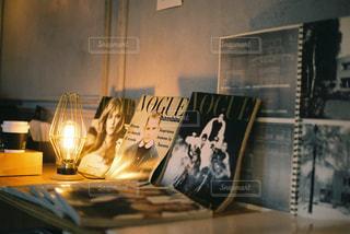 カフェ,屋内,本,レトロ,ランプ,雑誌,照明,ナチュラル,フィルム,フィルム写真,フィルムフォト