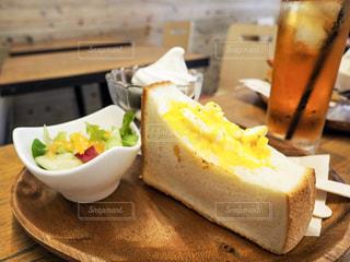 地元カフェの朝ごはんの写真・画像素材[2495125]