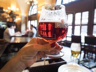 女性,飲み物,お酒,飲食店,グラス,ビール,乾杯,ドリンク,アルコール,ダイニングバー,手元