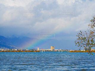 虹のはしっこの写真・画像素材[2507728]