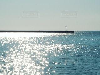 輝く水面の写真・画像素材[2624918]