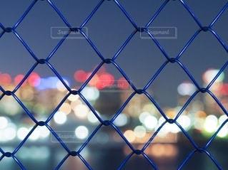 フェンスの向こうにの写真・画像素材[2781993]