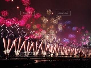 空の花火の写真・画像素材[3609476]