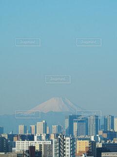 高い建物を背景にした大都市の写真・画像素材[4009685]