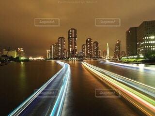 夜の都市の眺めの写真・画像素材[4065582]