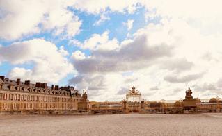 空,建物,屋外,雲,茶色,城,観光,旅,フランス,柵,ベージュ,城壁,ヴェルサイユ宮殿,ミルクティー色