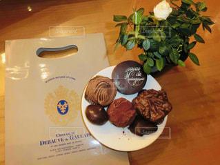 パリ老舗の美味しいチョコレートの写真・画像素材[2028790]