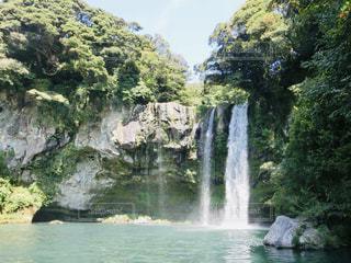 済州島 三大瀑布 天地淵瀑布の写真・画像素材[2034118]