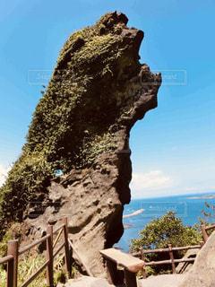 済州島の巨岩 城山日出峰への途中の写真・画像素材[2034309]