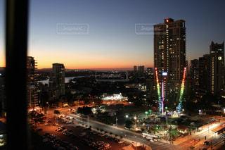 夕方から夜の街への写真・画像素材[1281621]