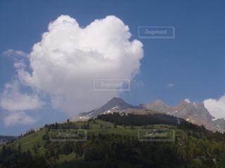 偶然見つけたハートの雲の写真・画像素材[2263376]