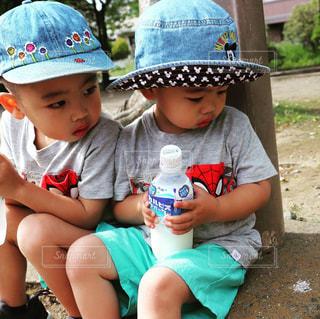 公園,夏,半ズボン,子供,Tシャツ,遊び,休日,兄弟,若い,3歳,夏服,半袖,新時代,もうすぐ夏