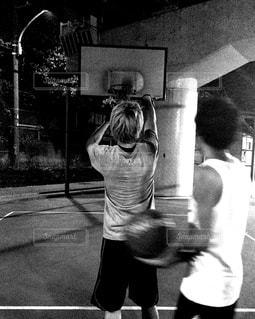 スポーツ,後ろ姿,モノクロ,男子,人物,背中,人,後姿,バスケ,クール