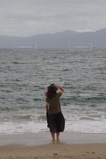 海,空,屋外,ビーチ,水面,海岸,人物,フォトコンテスト,後ろ姿フォト