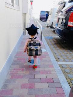 子ども,かわいい,女の子,楽しい,背中,外,孫,保育園,入園,ランドセル,ワクワク,4月,通園