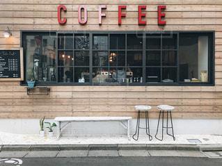 レンガ造りの建物の店の写真・画像素材[2259238]